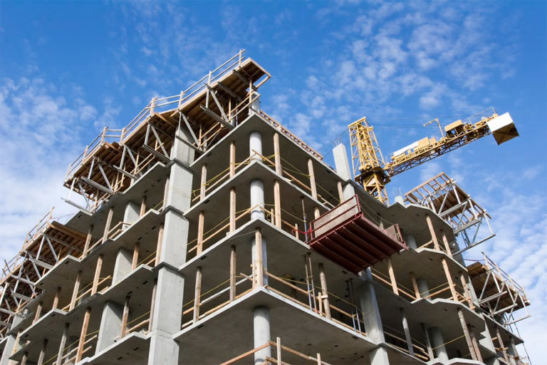 Maharashtra Cuts Levies on Real Estate Developers